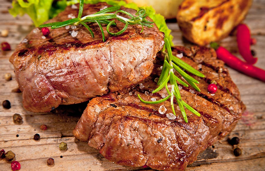Grilled Sirloin with Black Pepper Sauce